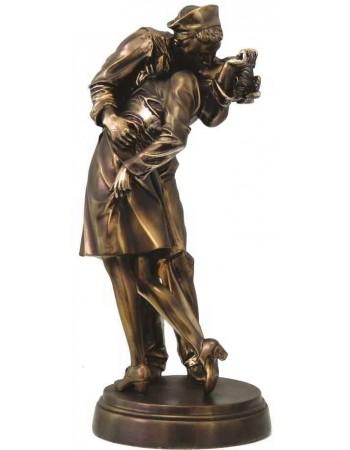 Sailor Kissing Nurse Iconic Image Statue Mythic Decor  Dragon Statues, Angels & Demons, Myths & Legends |Statues & Home Decor